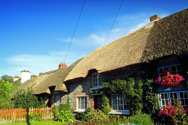 Limerick irlandese di adare co del cottage di vecchio for Piani domestici di vecchio stile