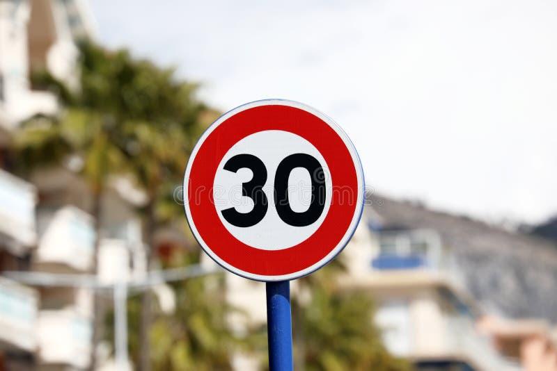Limite de velocidade no kmh 30 fotos de stock