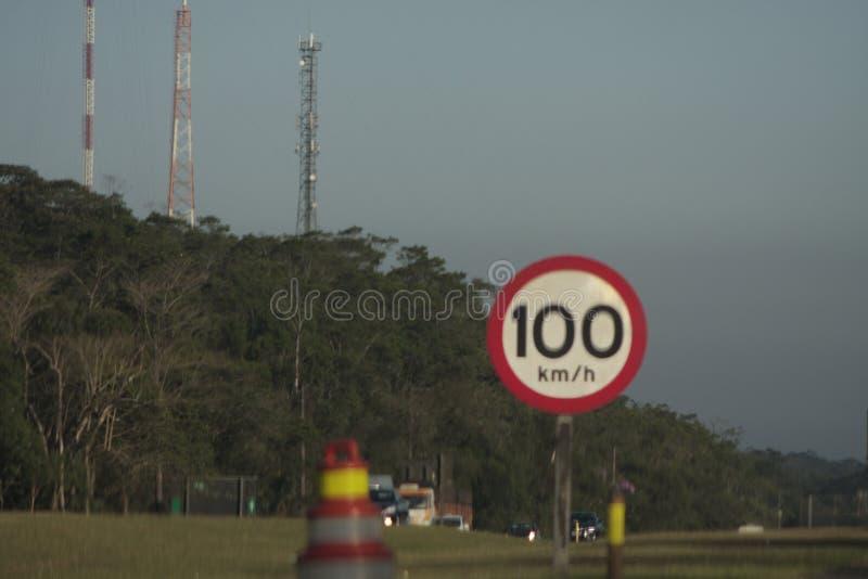 Limite di velocità sui chilometri all'ora fotografia stock