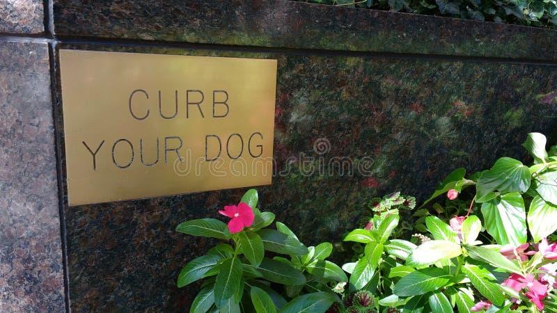 Limite seu sinal do cão imagem de stock royalty free