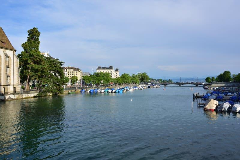 Limmat rzeka w Zurich, Szwajcaria zdjęcia royalty free