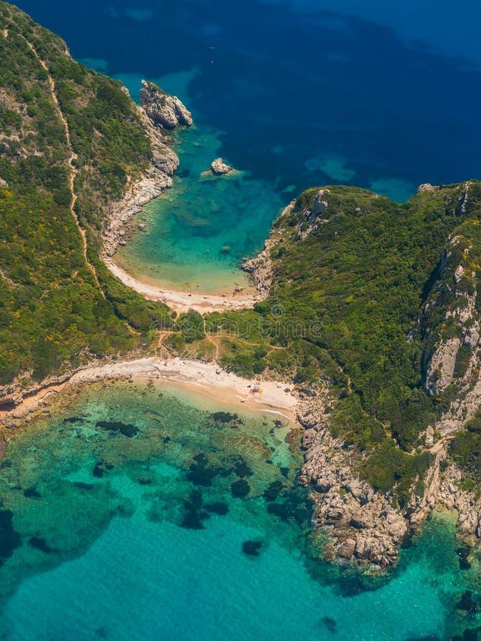 Limni strand i Paleokastritsa, Korfu Grekland V royaltyfri fotografi