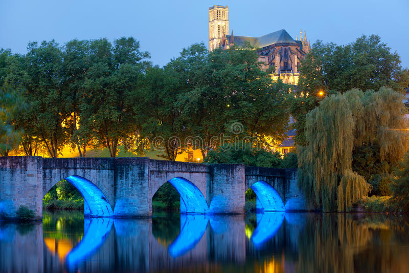 Limoges przy lato nocą obraz royalty free