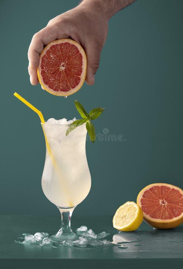 Limonade koude drank met grapefruitaroma stock fotografie