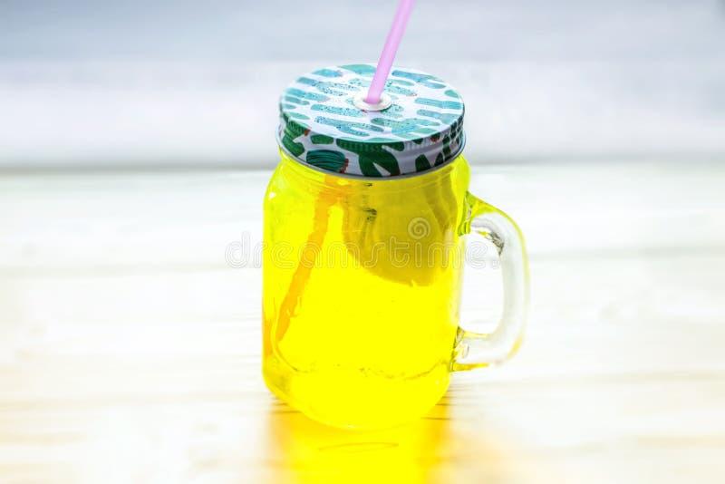 Limonade in kruik royalty-vrije stock foto's