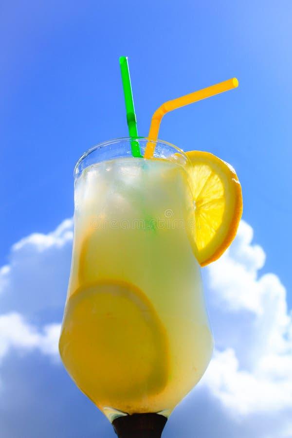 Limonade Spritzer in de Zonneschijn royalty-vrije stock foto's