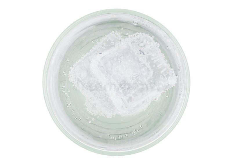 Limonadensodagetränk mit Draufsicht des Eiswürfels lizenzfreie stockfotos