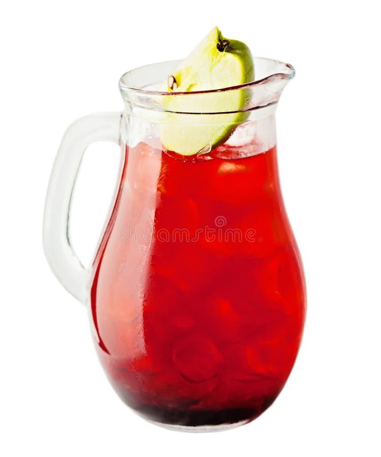 Limonadewaterkruik Cherry Lemonade Drink met Ijs stock afbeelding