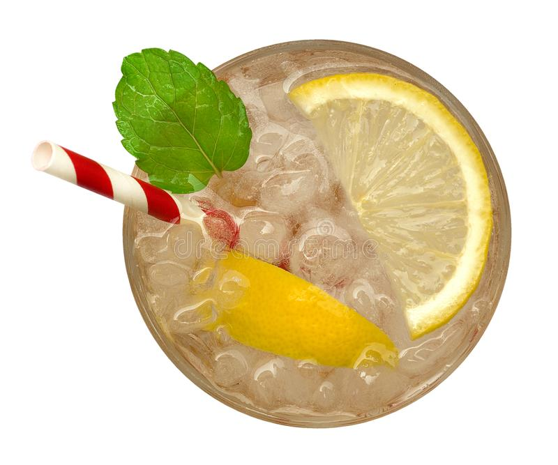 Limonata fresca del cocktail, soda del limone del miele con la fetta gialla della calce e vista superiore della menta isolate su  immagini stock libere da diritti