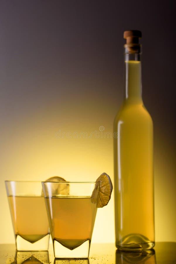 Limoncello en verres photographie stock