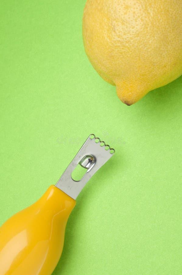 Limone e Zester fotografie stock libere da diritti