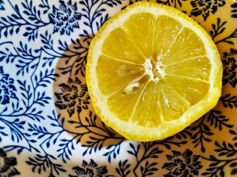Limone nella struttura cinese fotografie stock libere da diritti