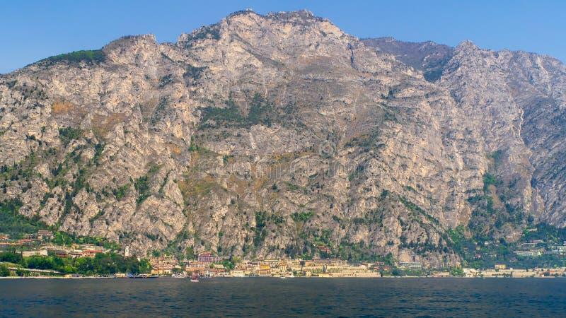 Limone widok od Jeziornego Gardy zdjęcia royalty free