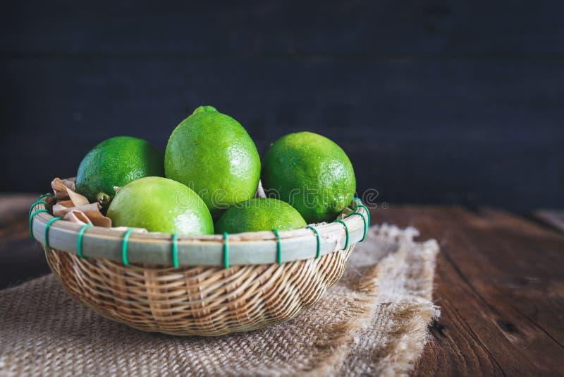 Limones verdes fotografía de archivo