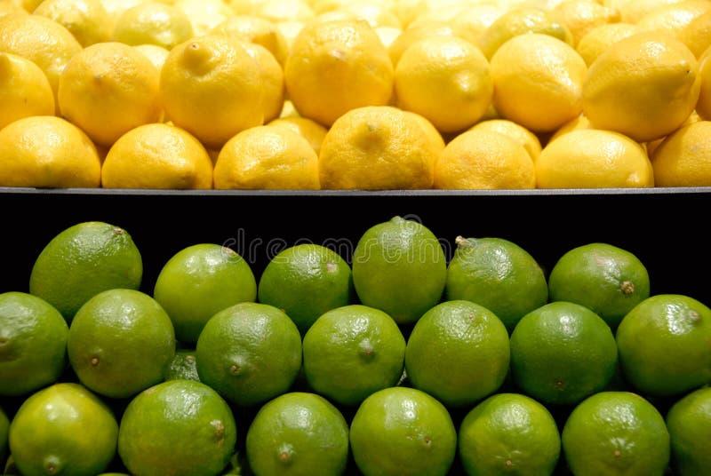 Limones y cales foto de archivo libre de regalías