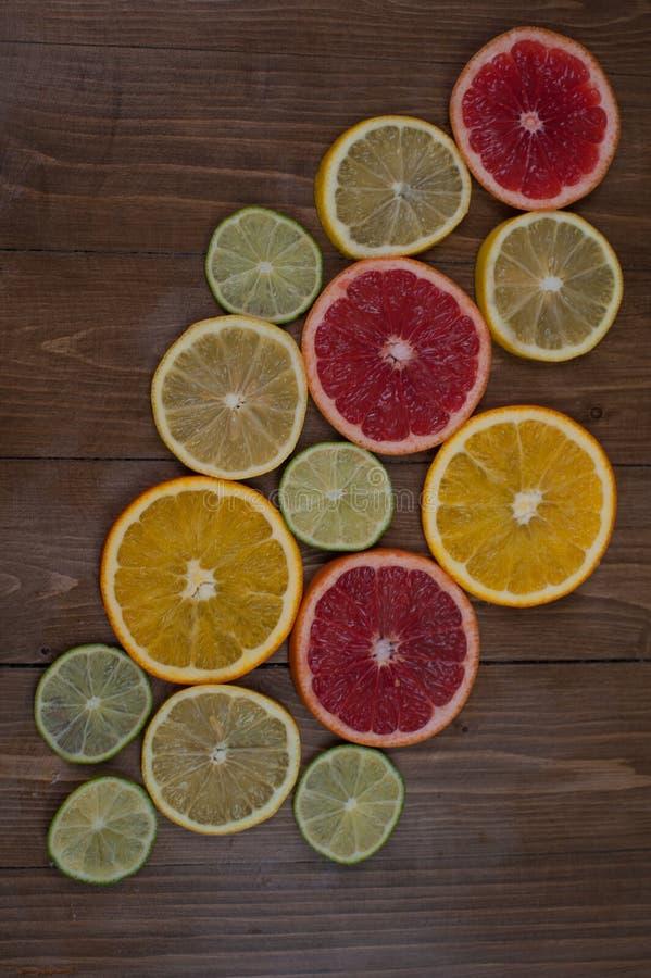 Limoni e limetta fotografie stock libere da diritti