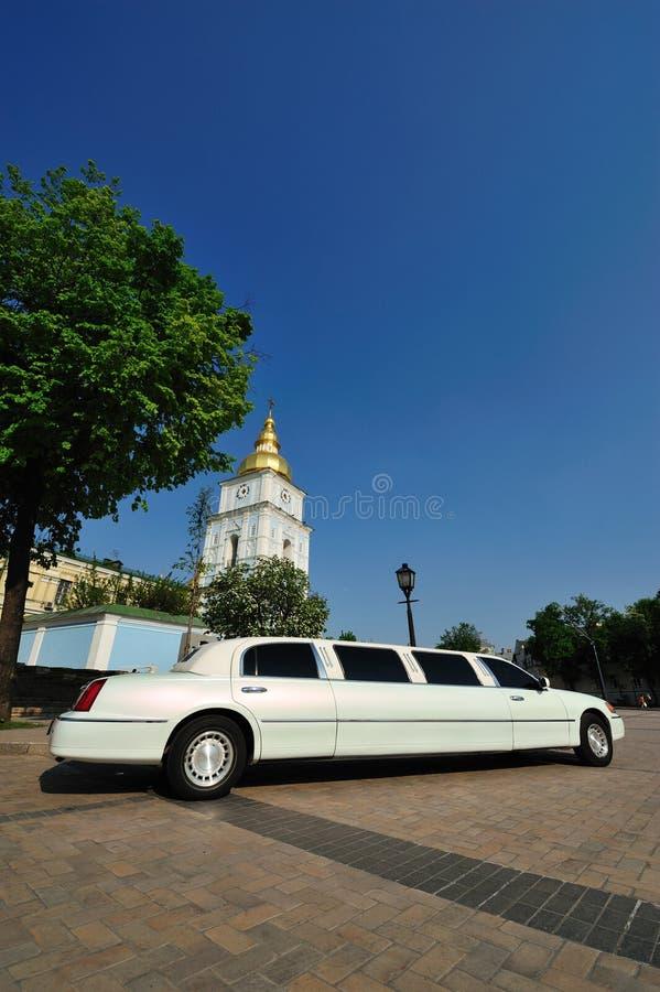 Limousine blanche photos stock