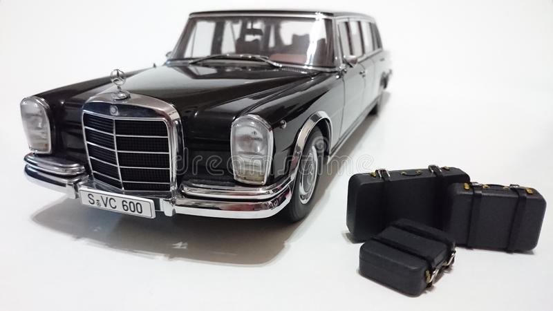 Limousine du pullman LWB de Mercedes Benz S600 images libres de droits