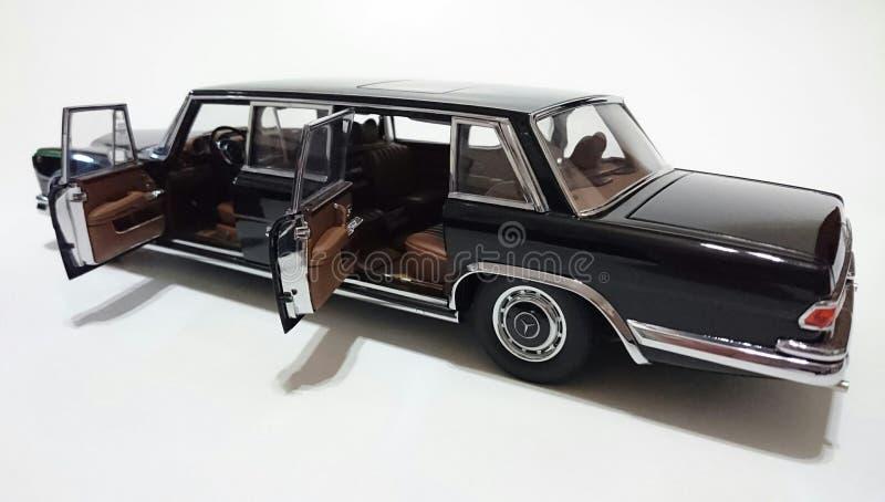 Limousine Mercedes Benzs S600 Pullman LWB lizenzfreie stockbilder