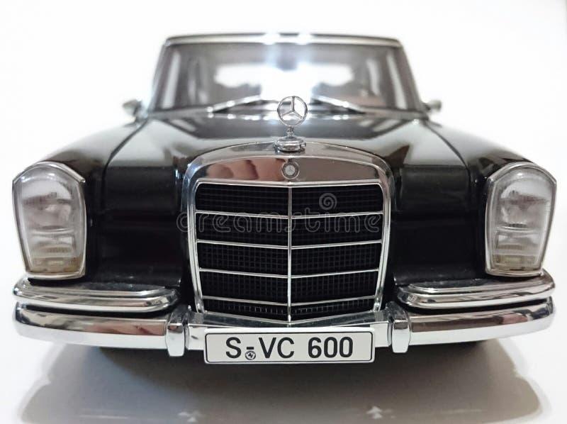 Limousine Mercedes Benzs S600 Pullman LWB stockfotos