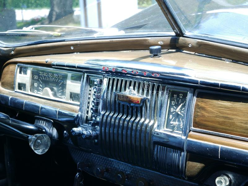 Limousinenarmaturenbrett 1949 DeSoto in Lima lizenzfreies stockbild