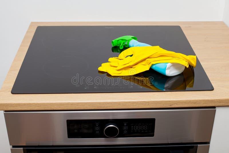 Limpeza da cozinha fotos de stock royalty free
