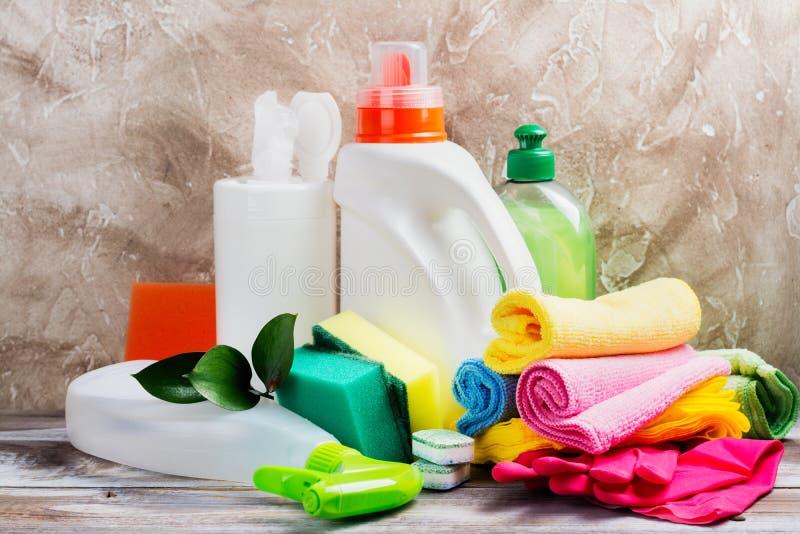 Limpeza da primavera da casa Fontes de limpeza ajustadas foto de stock royalty free