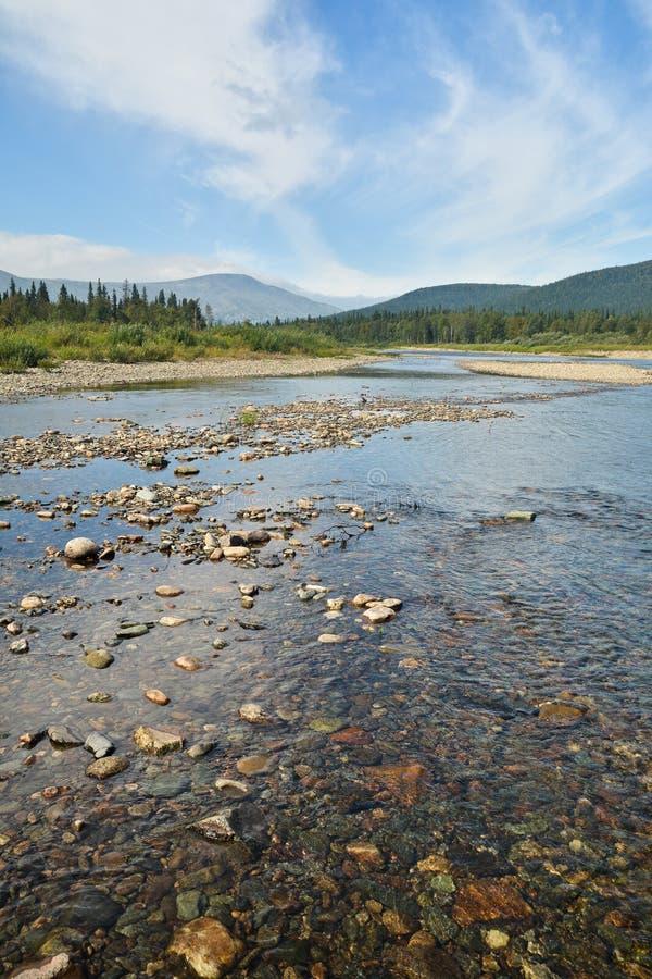 Limpie el río del norte imagenes de archivo