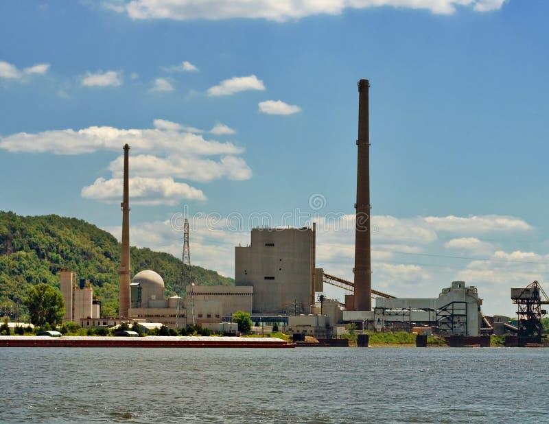 Limpie la central eléctrica de carbón fotos de archivo