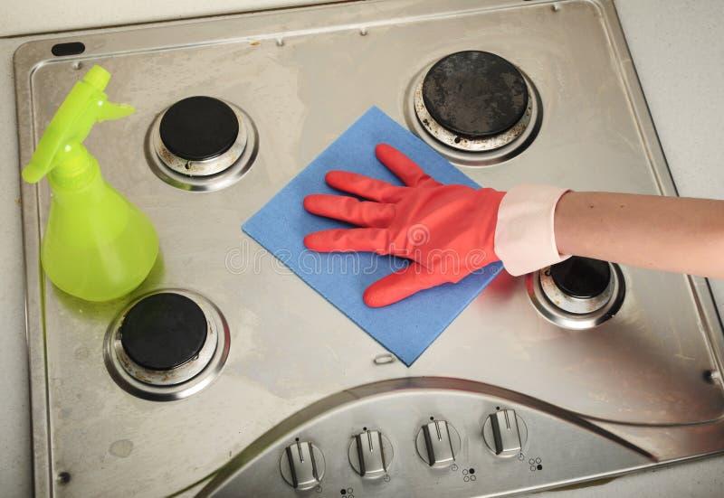 Limpieza sucia de la cocina fotos de archivo libres de regalías