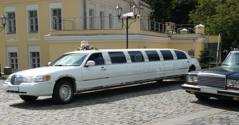 Download Limusina Branca Do Casamento Foto de Stock - Imagem de longo, cromo: 12803004