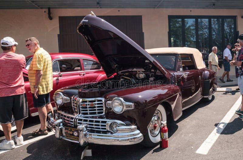 Lincoln Continental 1947 no Car Show cl?ssico do 3? dep?sito anual de N?poles fotos de stock royalty free