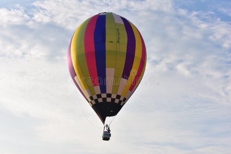 Lincoln, Illinois - de V.S. - 25 Augustus, 2017: De Ballonfestival van de regenbooglucht royalty-vrije stock afbeeldingen
