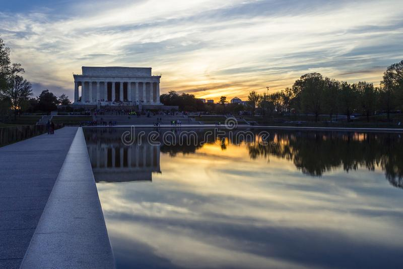Lincoln Memorial bij zonsondergang stock foto's