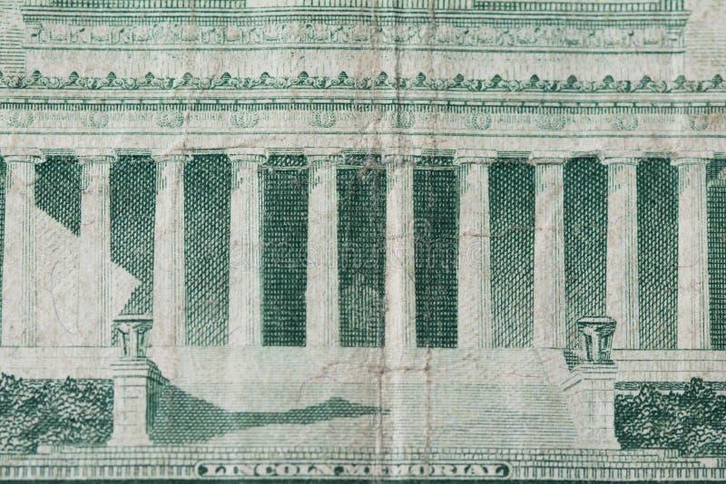 Lincoln Memorial sur la vieille note des cinq dollars image stock
