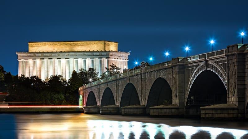 Lincoln pomnik i Arlington most zdjęcie stock