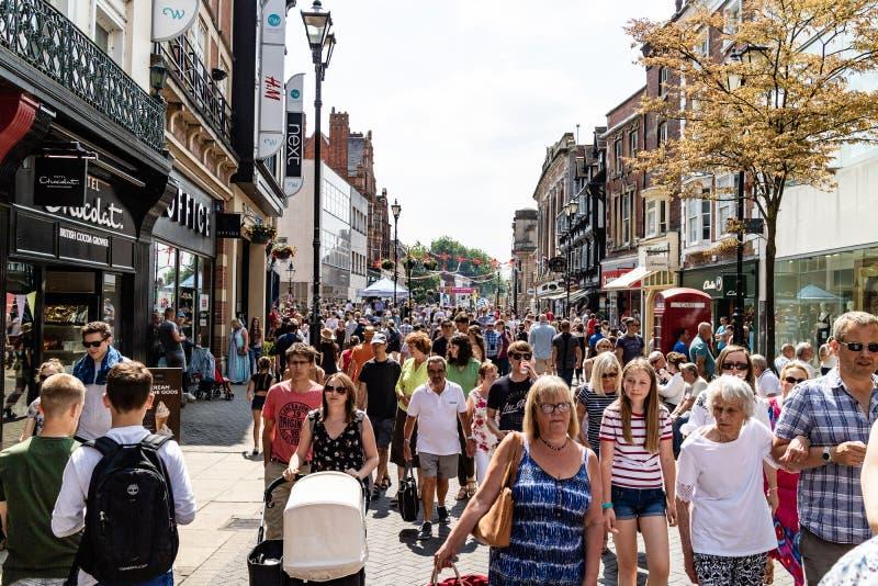 Lincoln, Royaume-Uni - 07/21/2018 : Lincoln High Street pendant image stock