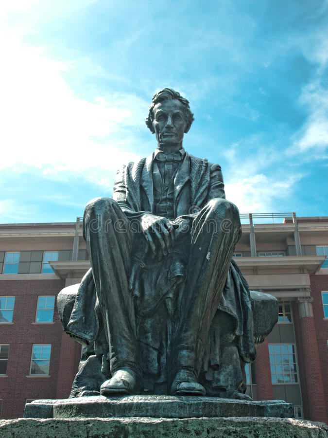 Download Lincoln statue editorial stock photo. Image of university - 31418128
