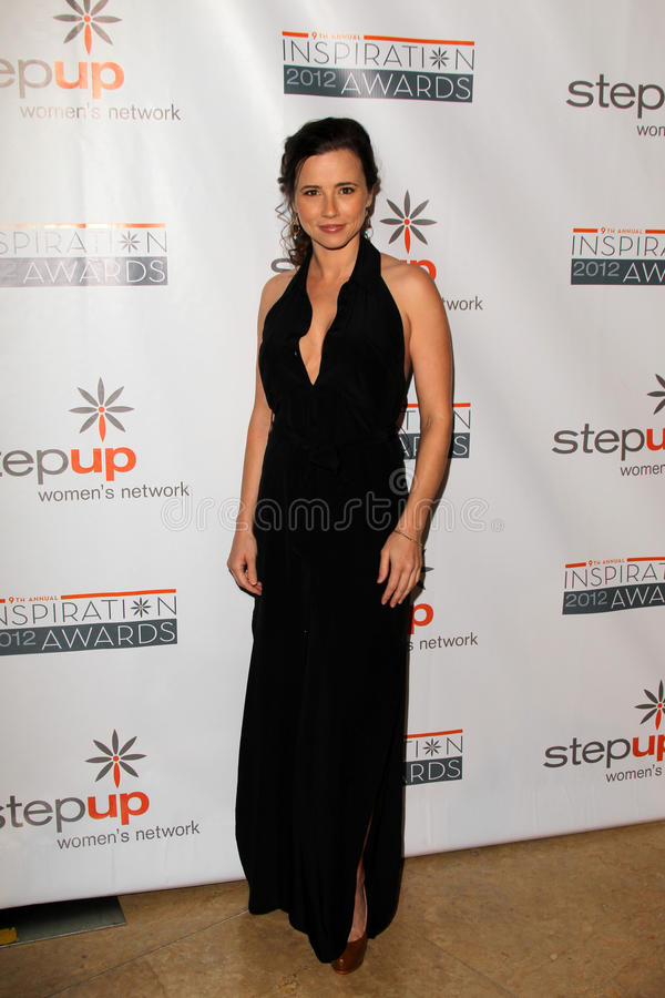 Download Linda Cardellini Arriving At StepUp Women's Network Inspiration Awards Editorial Photography - Image: 25685952