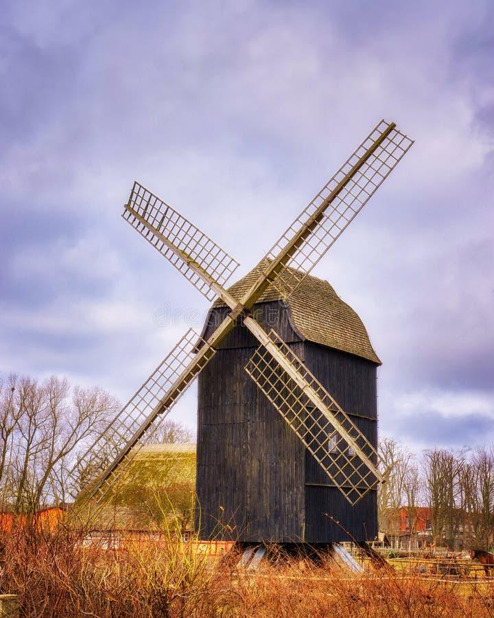 Linda e antiga estação de vento fotos de stock royalty free