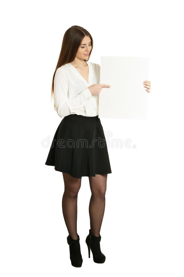 Linda mulher e quadro branco ou espaço para slogan ou texto, isolada foto de stock