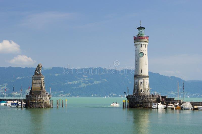 Lindau-Leuchtturm und bayerischer Löwe stockfotos