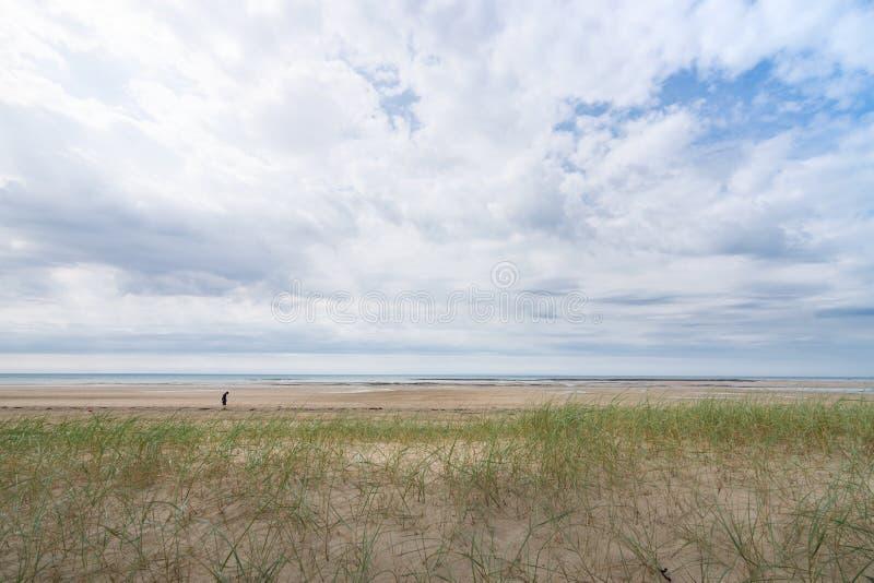 Lindbergh plaża na chmurnym dniu w Francja, Normandy fotografia stock