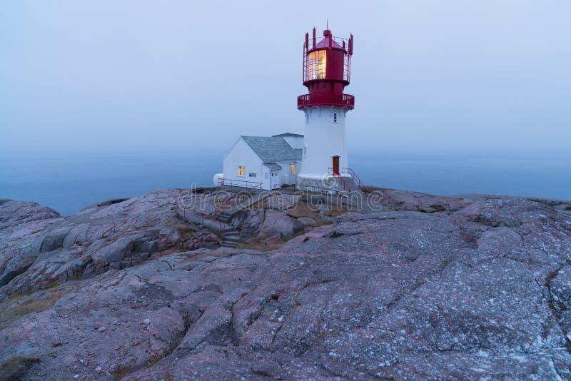 Lindesnes-Leuchtturm in Norwegen stockfotografie