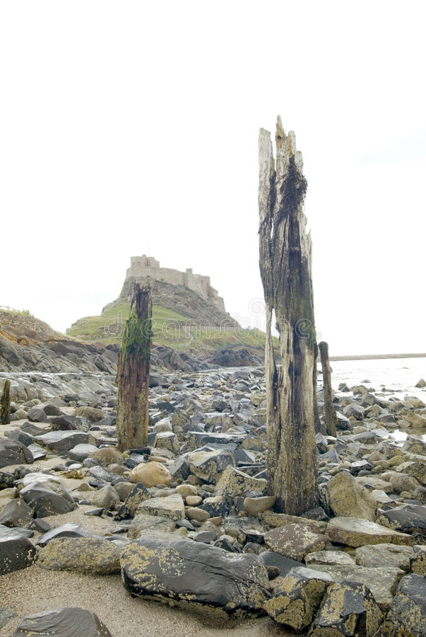 lindisfarne замока 2 пляжей стоковые фото