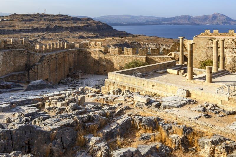 Lindos上城鸟瞰图在罗得岛海岛上的在希腊 免版税库存照片