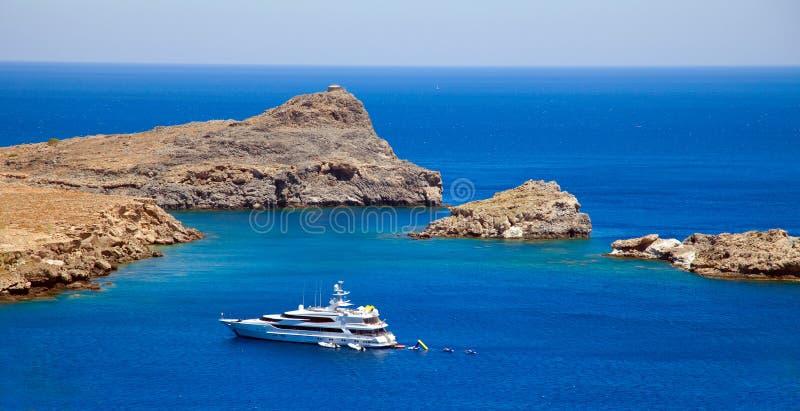 Lindos Bay.Rhodes Griechenland stockfotografie