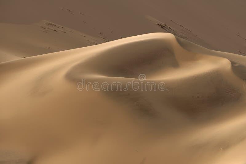 Lindos padrões de areia nas dunas do Parque Nacional Namib-Naukluft, Namíbia fotos de stock royalty free