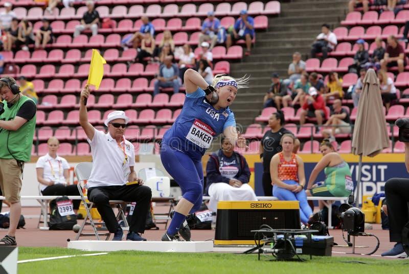 LINDSAY-BÄCKER von USA im Kugelstoßenschluß an den Meisterschaften IAAF-Weltu20 in Tampere, Finnland an stockbilder