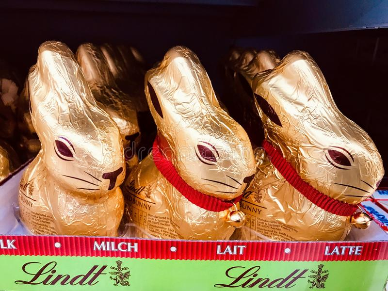 Lindt gouden konijntje stock fotografie
